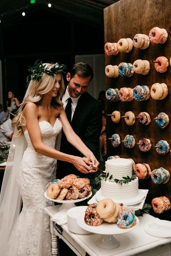 why do we cut a wedding cake catering trend of 2018 watering donut 27460