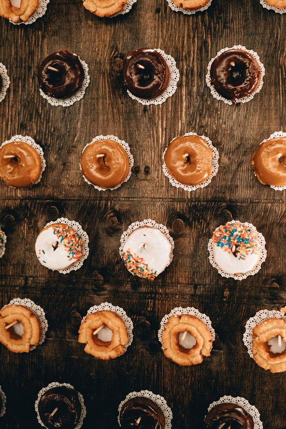 Mouth-watering Donut Wedding Wall Decoration Ideas