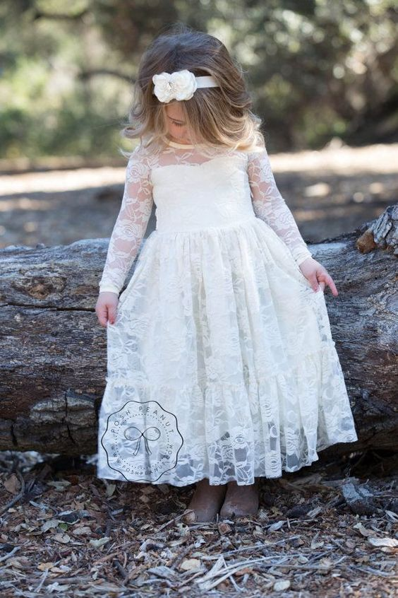 Soft tulle in 3D sculpted rose patterns