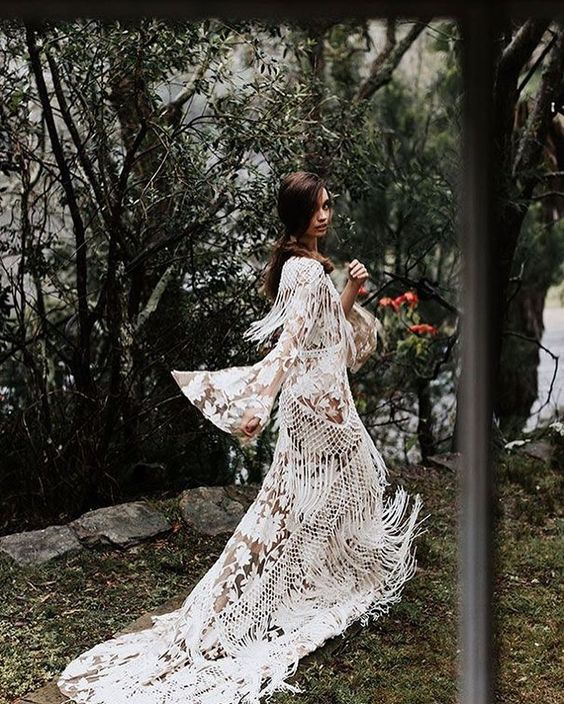 20 Stylish Fringe Wedding Dresses for Bohemian Brides