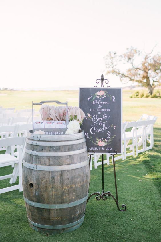 22 Marvelous DIY Wine Barrel Wedding Decoration Ideas