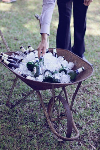 18 Unique and Creative Wedding Drink Bar Ideas for Outdoor Wedding