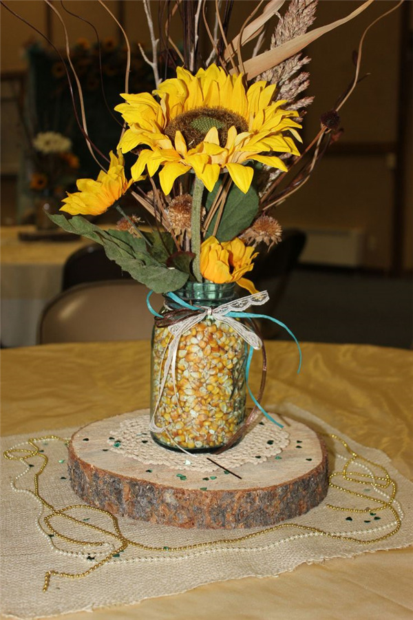 Rustic sunflower wedding centerpiece ideas for summer