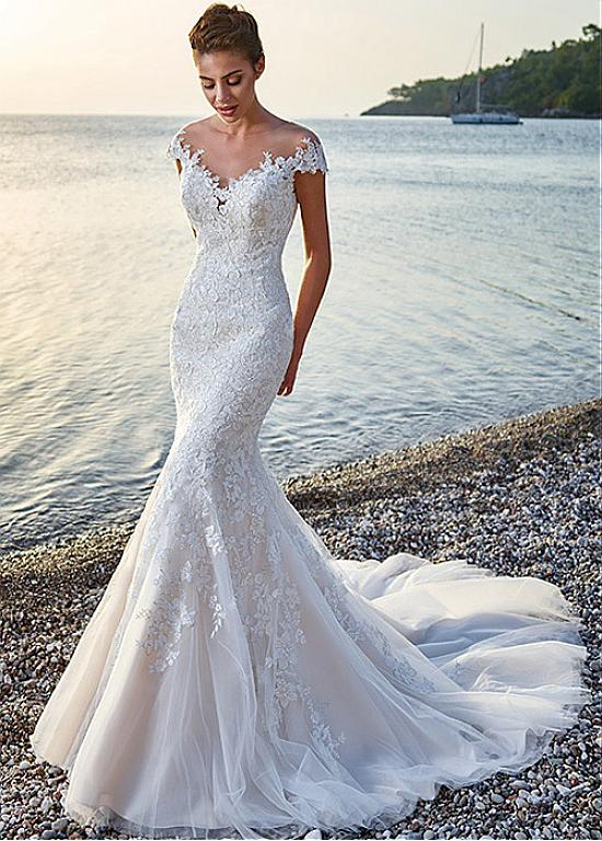 18 Flattering Mermaid Wedding Dresses