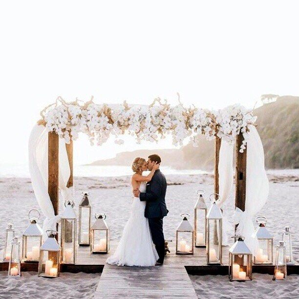 18 Stunning Fun Beach Wedding Decorations Ideas - ChicWedd