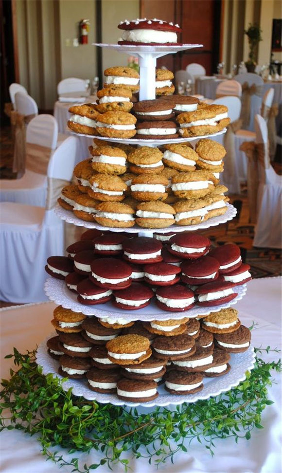 Alternatives to a Traditional Wedding Cake