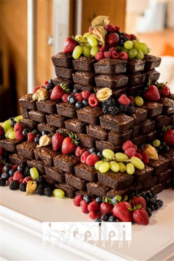 Brownie Wedding Cake - A tower