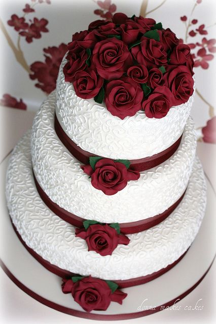 Burgundy Wedding Cakes On Your Big Day