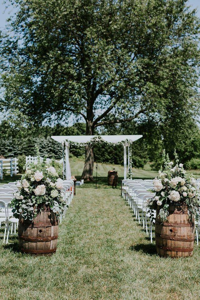 Stylish Outdoor Wedding Aisle Décor Ideas