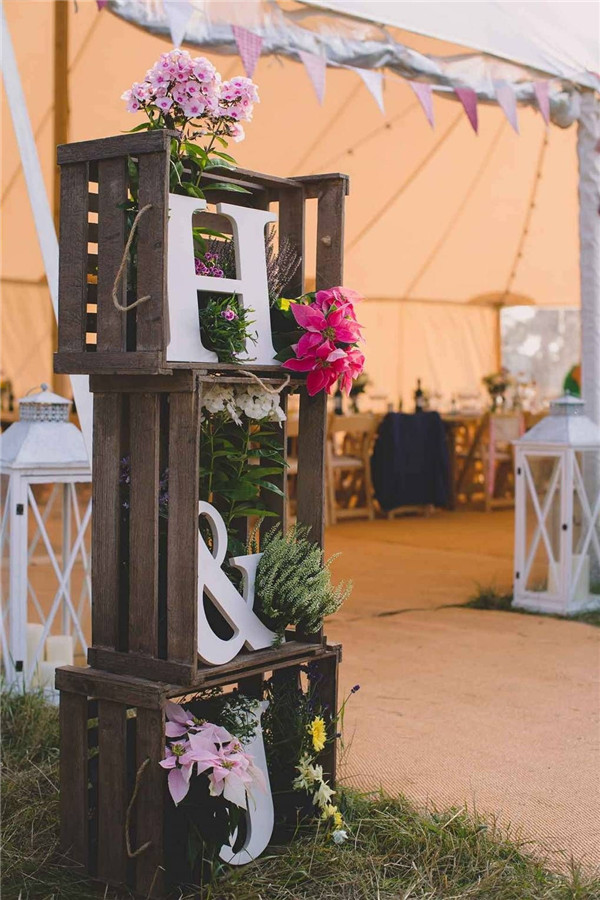 Rustic and Vintage Wedding Entrance Decorations