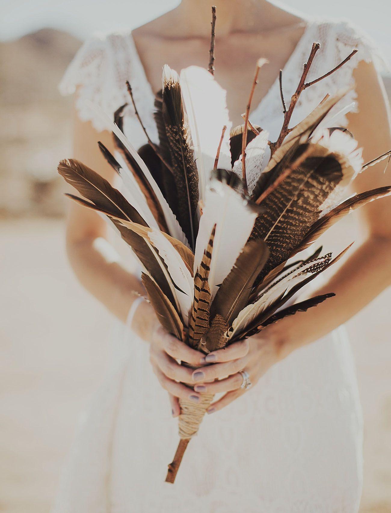 Eye Catching Feather Wedding Ideas