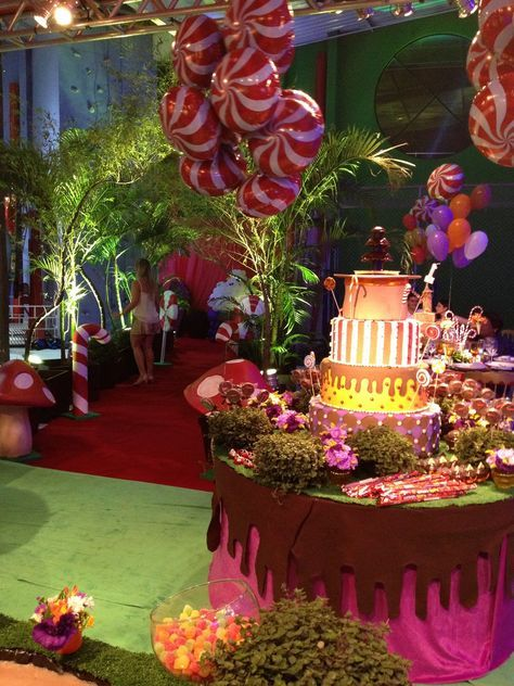 Colorful Willy Wonka Inspired Wedding