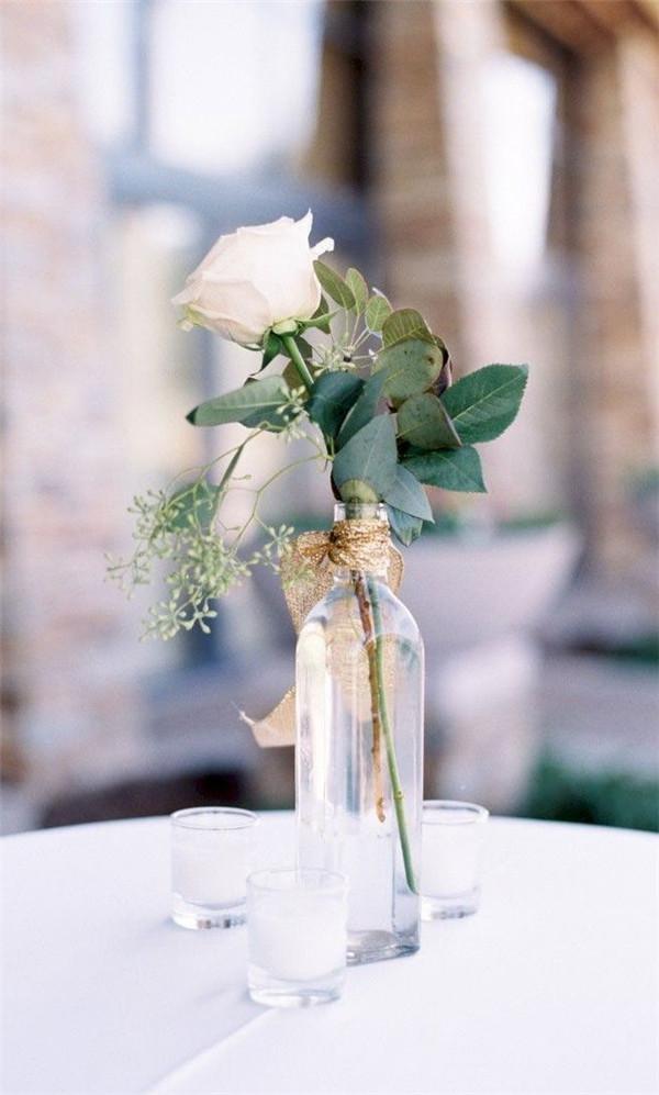 Minimalist Wedding Centerpieces